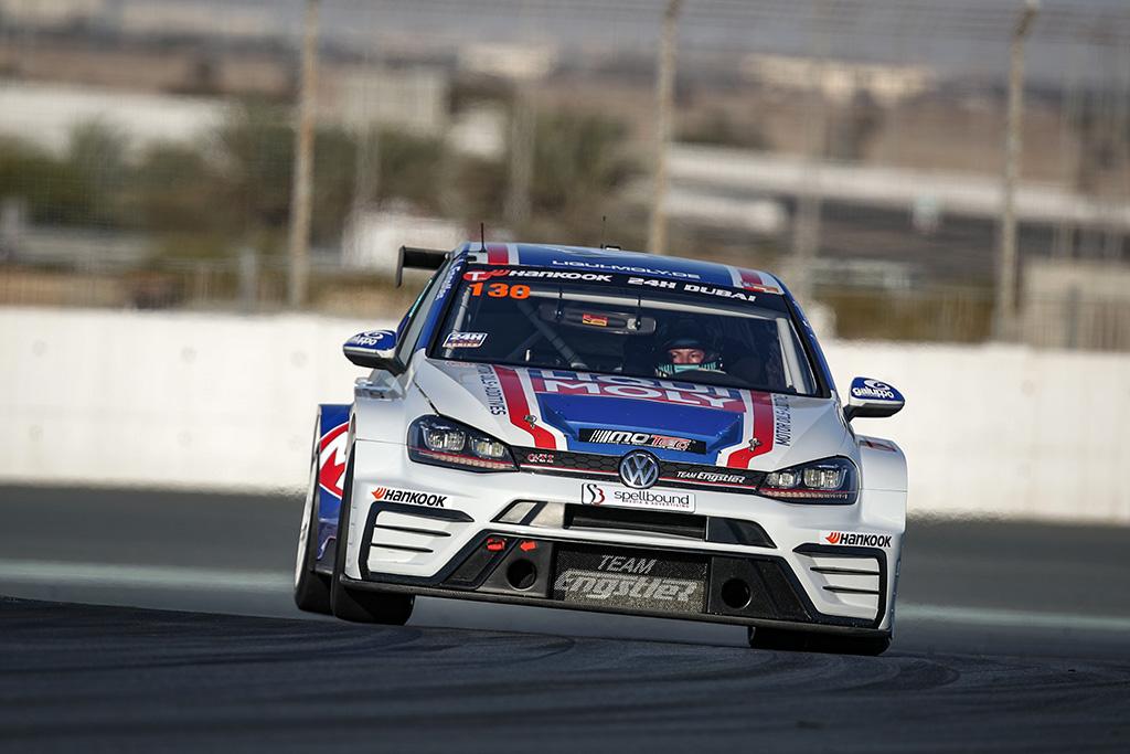 Golf GTI TCR beim 24h-Rennen in Dubai