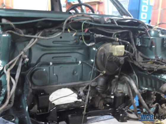 20120827_Motorraum_vor_Motoreinbau