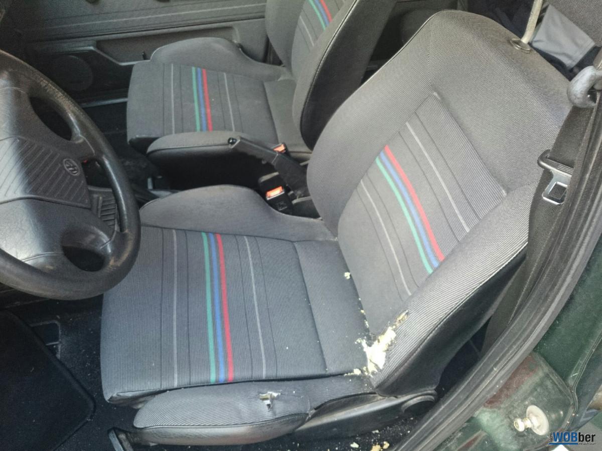 Schusters Golf 2 beschädigter Sitz