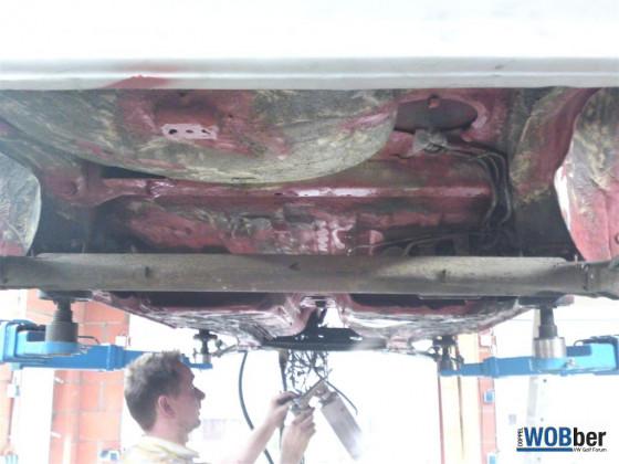 20120811_Karosseriearbeiten_Unterbodenschutz_ (1)
