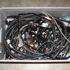 Ohne Strom geht nix. 3 Kabelbäume.